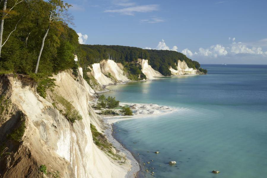 CHALK - impressive cliffs with healing powers